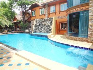 Khun Sri Resort