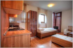 Apartments Bijela Lađa I
