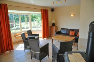 Villa Achille, Prázdninové domy  Somme-Leuze - big - 4