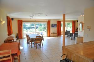 Villa Achille, Prázdninové domy  Somme-Leuze - big - 10