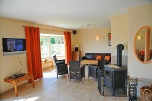 Villa Achille, Prázdninové domy  Somme-Leuze - big - 11