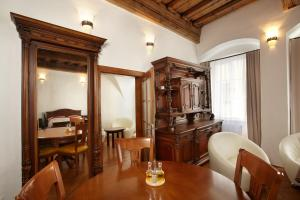 Residence Muzeum Vltavínů, Apartmanok  Český Krumlov - big - 14