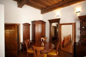 Residence Muzeum Vltavínů, Apartmanok  Český Krumlov - big - 3