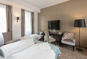 Standard Double Room with Extra Bed
