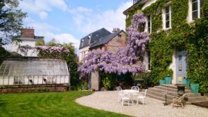 Chambres d'hotes Autour de la Rose, Bed & Breakfast  Honfleur - big - 10