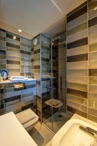 Small Single Room - Shower