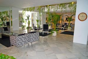 Hotel Suites Albayzin Del Mar, Отели  Альмуньекар - big - 31