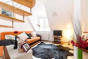 9 Suites ApartHotel, Aparthotels  Braşov - big - 34