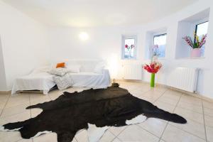 9 Suites ApartHotel, Aparthotels  Braşov - big - 37