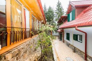 9 Suites ApartHotel, Aparthotels  Braşov - big - 26