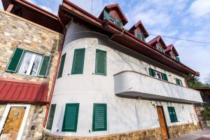 9 Suites ApartHotel, Aparthotels  Braşov - big - 20