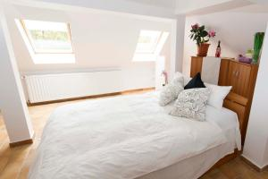9 Suites ApartHotel, Aparthotels  Braşov - big - 17