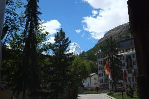 Hotel Tannenhof, Hotely  Zermatt - big - 37