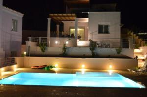 Villa Soumela, Vily  Nikiana - big - 9
