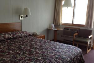 Premium Room, 1 Queen Bed, Lake View