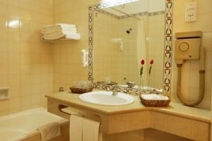 Hotel Belavista Da Luz, Hotels  Luz - big - 8