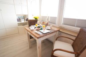 Premium Appartement Rosenmöwe Sylt, Apartmanok  Wenningstedt - big - 8