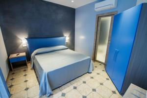 La Suite del Faro, Bed and breakfasts  Scalea - big - 12