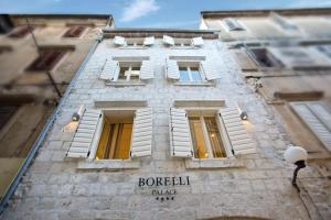 Borelli Palace Deluxe Apartments
