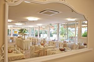 Hotel Euromar, Hotel  Marina di Massa - big - 17