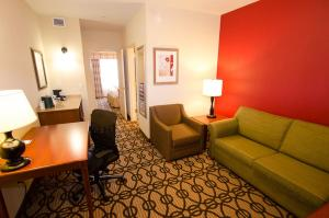 Deluxe King Room - Disability Access Hearing Impaired-Accessible