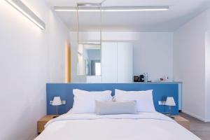 Alti Santorini Suites, Villas  Megalokhori - big - 39