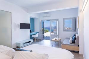 Alti Santorini Suites, Villas  Megalokhori - big - 41