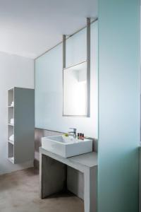 Alti Santorini Suites, Villas  Megalokhori - big - 34