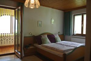Landhaus Neubauer - Zimmer, Bed and breakfasts  Millstatt - big - 26