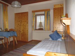 Landhaus Neubauer - Zimmer, Bed and breakfasts  Millstatt - big - 4