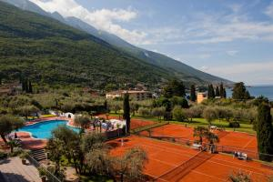 Club Hotel Olivi - Tennis Center - AbcAlberghi.com