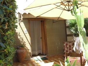 La Casa Delle Vacanze Acitrezza, Ferienwohnungen  Aci Castello - big - 14