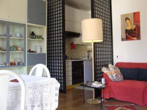 La Casa Delle Vacanze Acitrezza, Ferienwohnungen  Aci Castello - big - 13