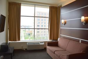 Days Inn & Suites by Wyndham Milwaukee, Hotel  Milwaukee - big - 10