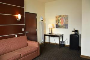 Days Inn & Suites by Wyndham Milwaukee, Hotel  Milwaukee - big - 22