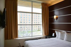 Days Inn & Suites by Wyndham Milwaukee, Hotels  Milwaukee - big - 14