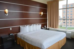 Days Inn & Suites by Wyndham Milwaukee, Hotel  Milwaukee - big - 2