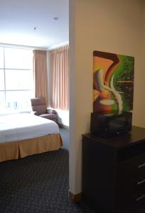 Days Inn & Suites by Wyndham Milwaukee, Hotels  Milwaukee - big - 18
