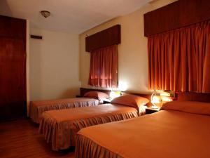 Hotel Torino, Hotel  San Nicolás de los Arroyos - big - 52