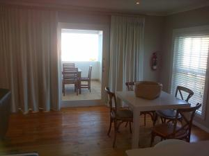 Kenjockity Self Catering Apartments, Apartmány  Hermanus - big - 17