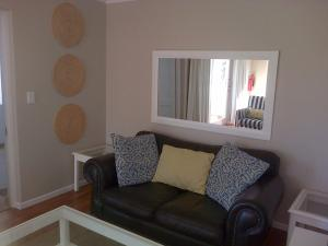 Kenjockity Self Catering Apartments, Apartmány  Hermanus - big - 35