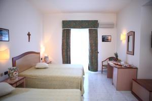 Hotel Za Maria, Hotel  Santo Stefano di Camastra - big - 29