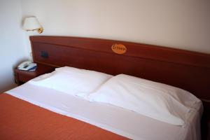 Hotel Za Maria, Hotel  Santo Stefano di Camastra - big - 32
