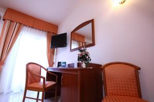 Hotel Za Maria, Hotel  Santo Stefano di Camastra - big - 24