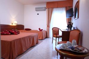 Hotel Za Maria, Hotel  Santo Stefano di Camastra - big - 18