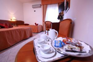 Hotel Za Maria, Hotel  Santo Stefano di Camastra - big - 16