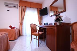 Hotel Za Maria, Hotel  Santo Stefano di Camastra - big - 40