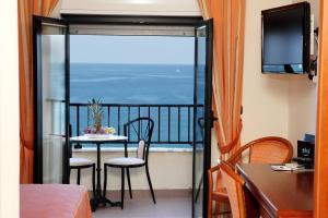 Hotel Za Maria, Hotel  Santo Stefano di Camastra - big - 15