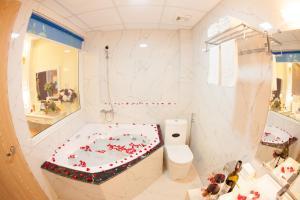 Home Hotel, Hotels  Hanoi - big - 10