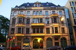 Downtown city landmark near Checkpoint Charlie, Апартаменты  Берлин - big - 9